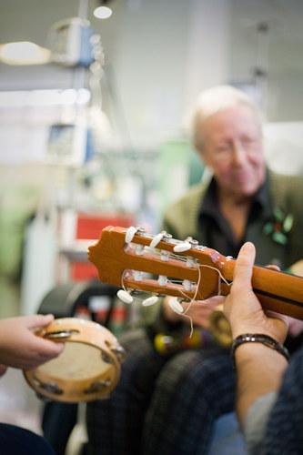 Musicoterapia-e-demenze3